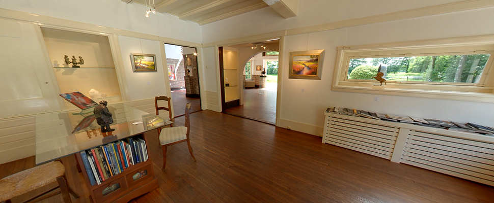 View the beautiful manor where gallery Wildevuur is established.