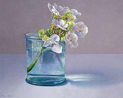 Hortensia in glas II   stilleven schilderij in olieverf van Adriana van Zoest   Exclusieve kunst online te koop bij Galerie Wildevuur