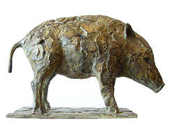 Wild boar young | animal sculpture in bronze by Coba Koster now for sale online! ✓Highest quality & service ✓Safe payment ✓Free shipping