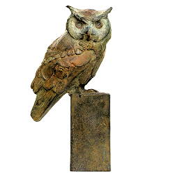 White faced owl | animal sculpture in bronze by Coba Koster now for sale online! ✓Highest quality & service ✓Safe payment ✓Free shipping