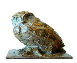 Little Owl sitting | animal sculpture in bronze by Coba Koster now for sale online! ✓Highest quality & service ✓Safe payment ✓Free shipping