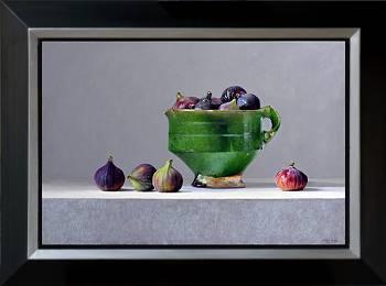 Vijgen met groene kan | stilleven schilderij in olieverf van Dirk Bal | Exclusieve kunst online te koop in de webshop van Galerie Wildevuur
