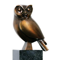 Barn owl | animal sculpture in bronze by Frans van Straaten now for sale online! ✓Highest quality & service ✓Safe payment ✓Free shipping