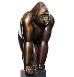 Gorilla | animal sculpture in bronze by Frans van Straaten now for sale online! ?Highest quality & service ?Safe payment ?Free shipping