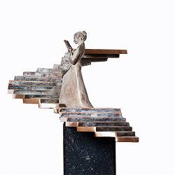 The other way | bronzen beeld van een vrouw van Frans van Straaten | Exclusieve kunst online te koop in de webshop van Galerie Wildevuur