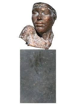 Buste | bronzen beeld van een vrouw van Gerard Engels | Exclusieve kunst online te koop in de webshop van Galerie Wildevuur