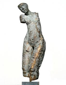 Welbehagen | bronzen beeld van een vrouw van Gerard Engels | Exclusieve kunst online te koop in de webshop van Galerie Wildevuur