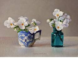 White violets | still life painting in oil by Ingrid Smuling now for sale online! ✓Highest quality & service ✓Safe payment ✓Free shipping