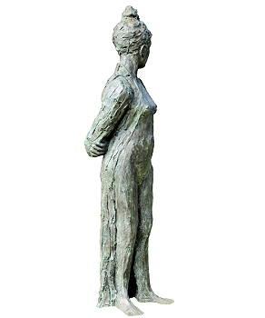 Muze | model beeld in brons van Maja van Berkestijn | Exclusieve kunst online te koop in de webshop van Galerie Wildevuur