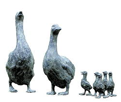Family Goose | animal sculpture in bronze by Maja van Berkestijn now for sale online! ✓Highest quality & service ✓Safe payment ✓Free shipping