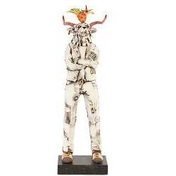 Largo W. and his colourbird | keramiek sculptuur van Peter Hiemstra koopt u nu online! ✓Hoogste kwaliteit ✓Veilig betalen ✓Gratis verzending