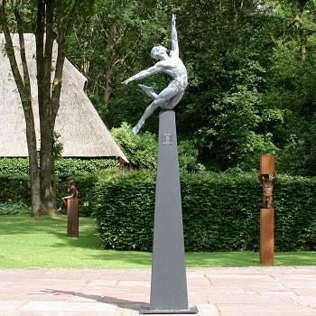 Titan Helios | model beeld in brons van Philippe Timmermans | Exclusieve kunst online te koop in de webshop van Galerie Wildevuur