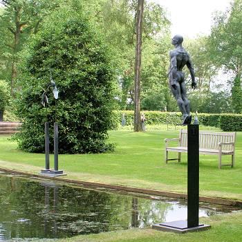 Ad impossibile, nemo tenetur | model beeld in brons van Philippe Timmermans | Exclusieve kunst online te koop in de webshop van Galerie Wildevuur