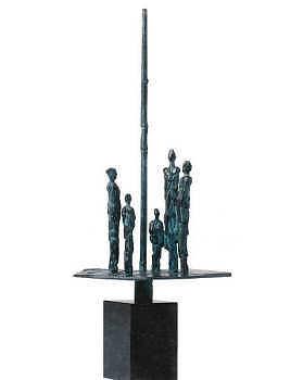 Het plein | bronzen beeld met mensen van Piets Althuis | Exclusieve kunst online te koop in de webshop van Galerie Wildevuur