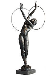 Corpus Circulus | sculpture of a dancer in bronze by Romee Kanis now for sale online! ?Highest quality & service ?Safe payment ?Free shipping
